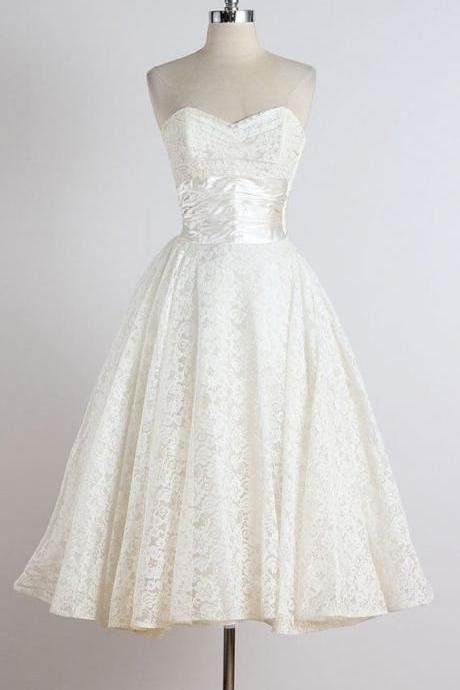 A-line Vintage Dresses,Little Veck Short Wedding Dresses,Ivory Short Bridal Dresses,Short Lace Bridal Gowns,Cheap Ivory Lace Wedding Dresses,Tea-length Wedding Dresses